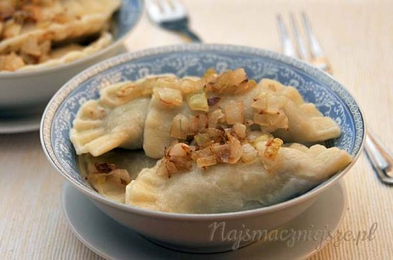 pierogi, Wigilia, pierogi z soczewicą, pierogi z pieczarkami, pierogi na Wigilię, dumplings, Christmas Eve, lentil dumplings, dumplings with mushrooms, ravioli on Christmas Eve