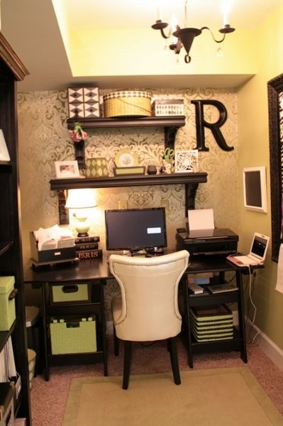 Wallpapered office nook nooks offices and office ideas for Cute home office ideas