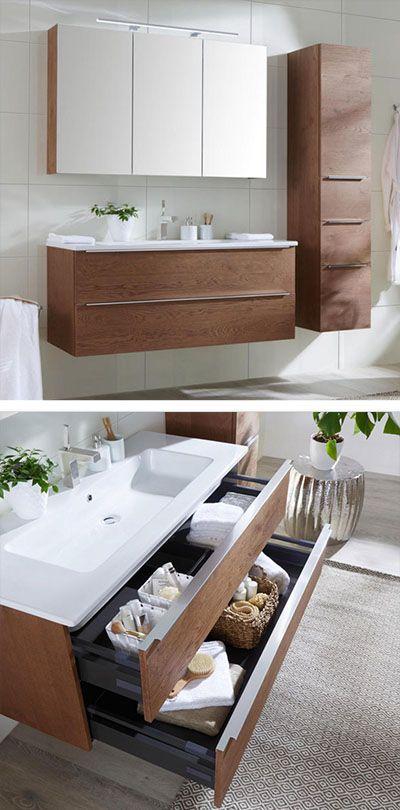 Modernes Badezimmer In Eichefarben Mit Waschbecken Unterschrank Spiegelschrank Und Hangeschrank Badezimmer Unterschrank Badezimmer Spiegelschrank Bad