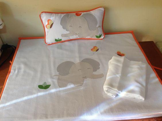 Trocador, confeccionado por Maete Atelier. Para encomendar envie um e-mail para teresi@globo.com ou visite nossa pagina no facebook. www.facebook.com/maete.atelier