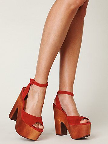 Posey Ankle Strap Platform! Super hot!