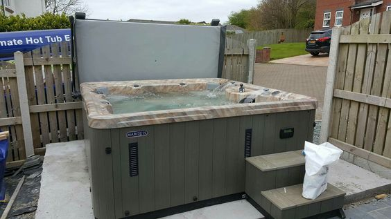 Marquis 545 Hot tub