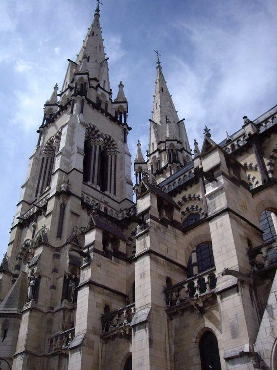 cathédrale de moulins. Auvergne