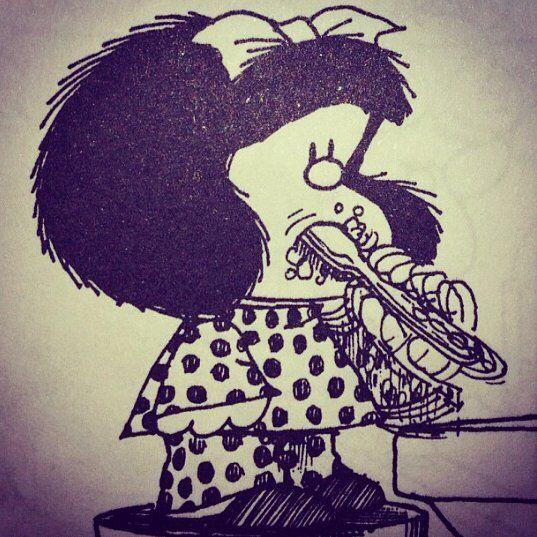 Espero ter bons sonhos... Pra aguentar tudo o que tem acontecido!  #mafalda #mafaldinhalinda #night #sleep #dream #badday #new #nature #alon by thaylacantoni