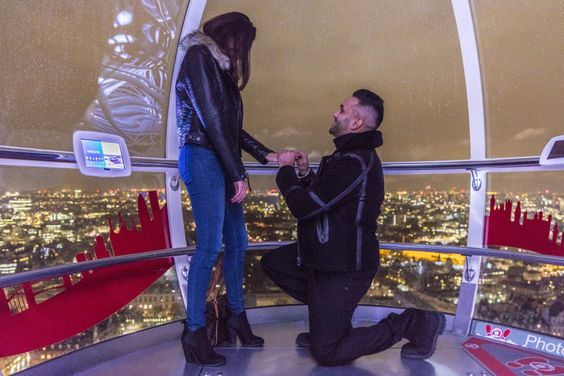 Marriage proposal on The London Eye planned by The Proposers.  www.theproposers.co.uk  #londoneye #marriageproposal #flashmob #proposalplanners #londoneyeproposal