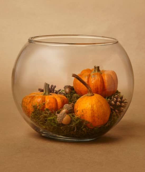5 Thanksgiving Centerpieces That Leave Room For The Food Thanksgiving Table Settings Pumpkin Centerpieces Thanksgiving Centerpieces