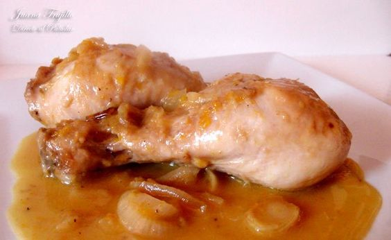 Pollo guisado con naranjas / Chicken stew with oranges.