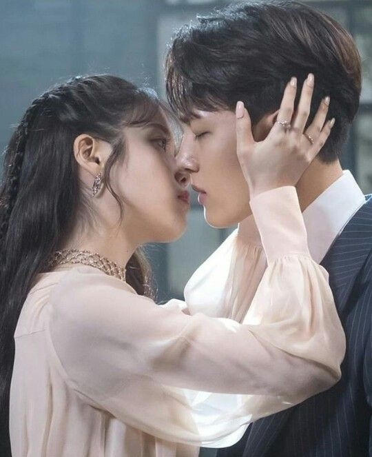 Drama Korea Tentang Perjodohan Dan Pernikahan : drama, korea, tentang, perjodohan, pernikahan, Pampyta, Hotel, Hotel,, Luna,, Dramas, Coreanos