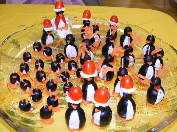 Christmas-Penguins-2010.jpg 1,600×1,200 pixels