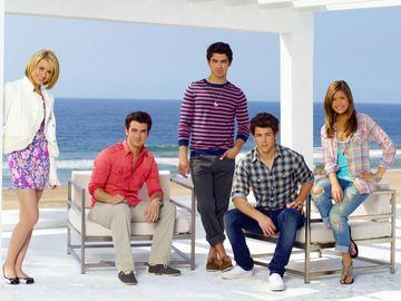 Jonas LA-- Is it sad that I miss this show a lot??