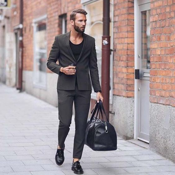 travel in style // urban men // travel // mens fashion // mens accessories // watches // city boys // city life // stylish men // men // coffee time // shoes // mens suites // luxury //