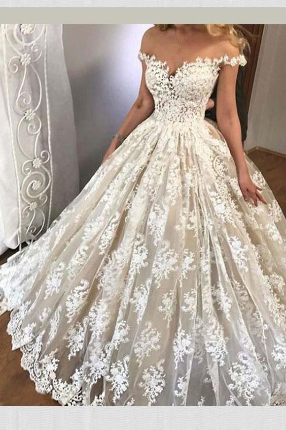 White Bride Dresses Brides Dream About Finding The Most Suitable Wedding Day But For This Long Wedding Dresses Halter Wedding Dress White Lace Wedding Dress