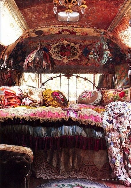 Gypsy/Hippie decor♥ I'm in love with this bedroom
