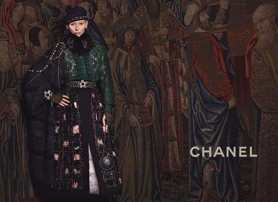 Tilda Swinton estrela nova campanha da Chanel A atriz britânica posou para as lentes de Karl Lagerlfed em clima escocês, tema da coleção pre fall 2014 da grife