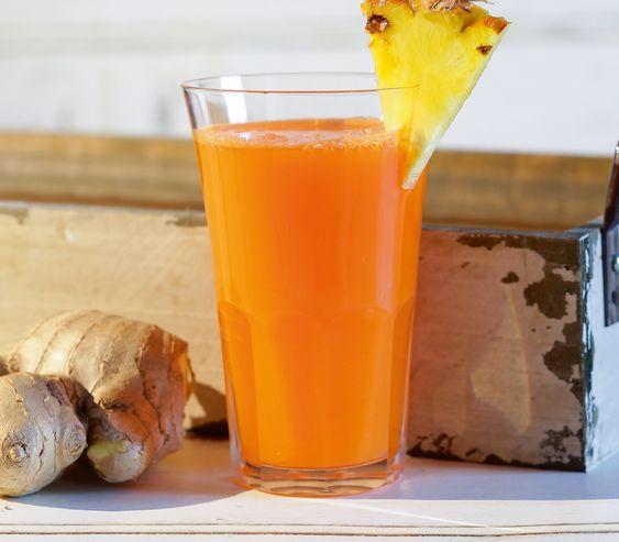 Knall orange und wunderbar erfrischend kommt dieser Fruchtsaft auf den Tisch – mit einer feinen scharfen Note.