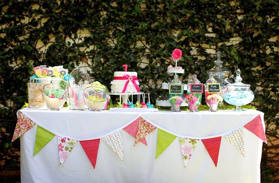 Beautiful treats table but - wow! - that's a lot of sugar for little ones.