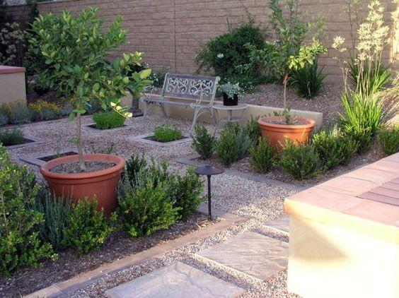 anlegen Gartenbank Metall dekorative Bäume Töpfe