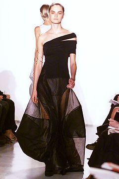 Donna Karan Spring 2002 Ready-to-Wear Fashion Show - Donna Karan, Anouck Lepère