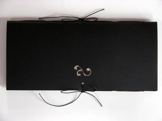 capa: papel Color Plus 180g   miolo: papel reciclado 75g (80 folhas) costura: fio encerado