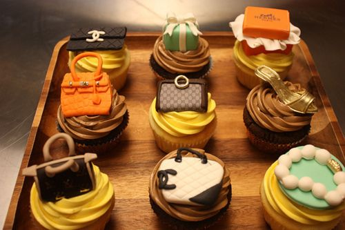 Chanel, Louis Vuitton, Jewelry, Handbag cupcakes!