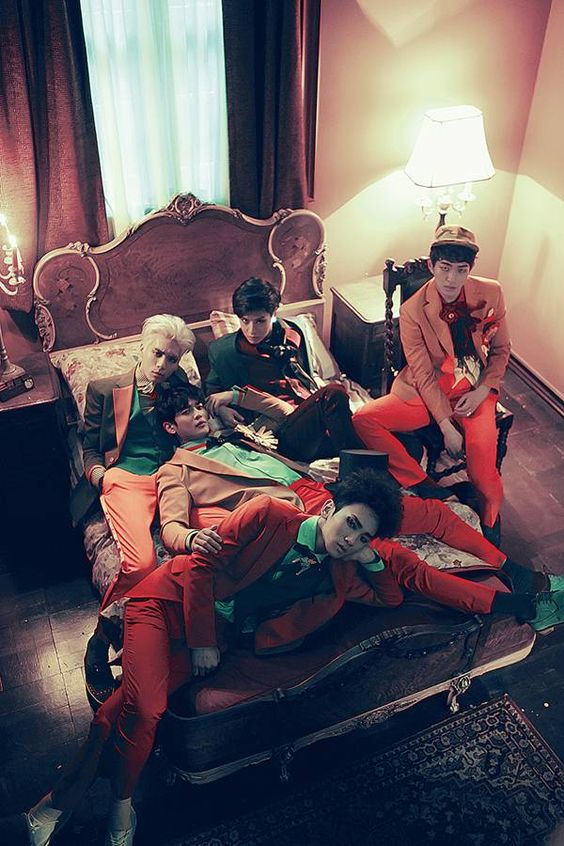 SHINee have highest album sales on 4 different charts! | allkpop