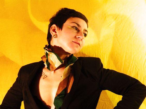 colletto cravatta in pura seta 100% chiusura con cinturino in cuoio