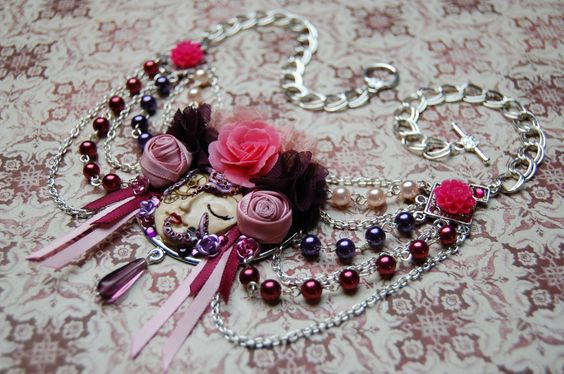 """""""Rosa"""" necklace"""