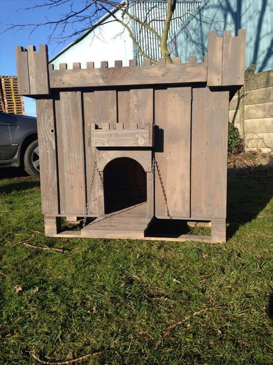 Build a dog house out of pallet pets furniture and dog houses - How to build a dog house with pallets ...