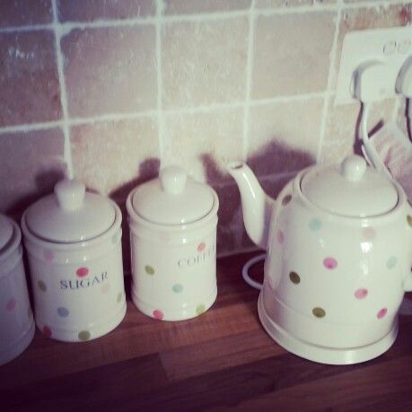 Ceramic Kettle and matching Tea, Sugar and Coffee pots - look amazing on any cottage kitchen side. In love... from dunelm & mill get shopping
