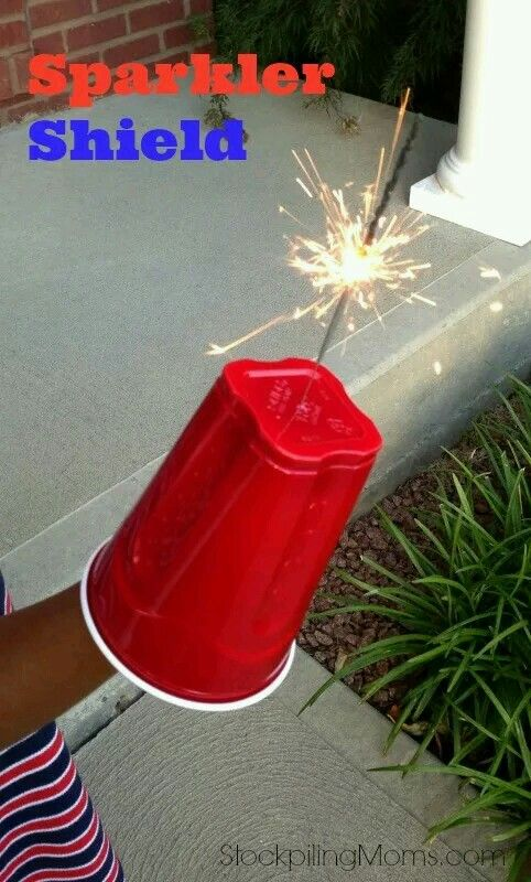 Easy DIY Sparkler Shield for a 4th of July or memorial Day party using plastic cups. Clever kids idea.
