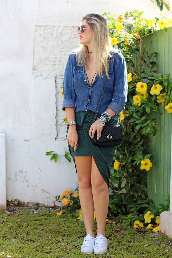 look_do_dia_carol_farina_moda_jaqueta_jeans_saia_amarracao_rosaline_adidas_tenis_star_fashion_love_lee_acessorios_cade_meu_blush_blog_de_moda_camisa_jeans_lounge_capodarte_strappy_bra-10