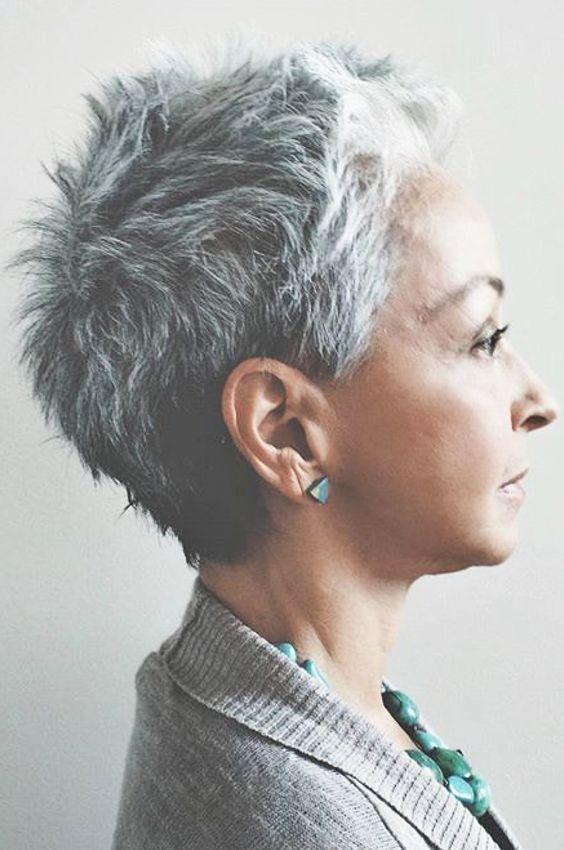 Coolsten Pfiffige Frisuren Graues Haar Kurze Haare Stylen Kurzhaarfrisuren Haare Stylen