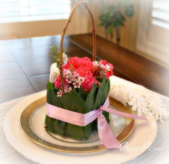 "Floral tutorial for ""flower purses""   www.beauxrevesamore.blogspot.com"