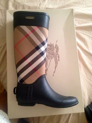 Burberry rain boots Size 7 | To be, Trips and The o'jays