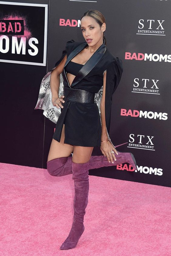 Dania Ramirez attends Bad Moms premiere