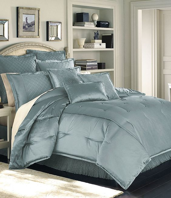 "Hilton Hotel Collection Bedding: Luxury Hotel ""Valmont"" Blue Bedding Collection"