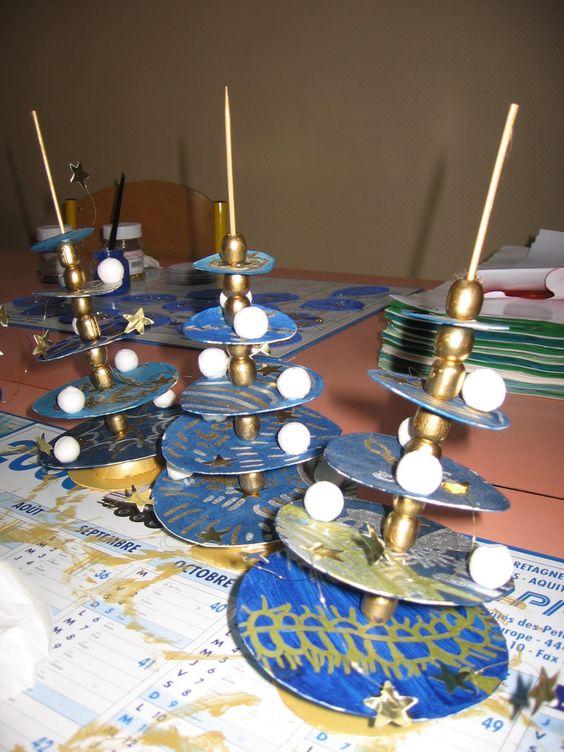 D coration d 39 une cole maternelle pour no l sur le th me du bleu noel pinterest hauts - Bricolage de noel maternelle ...