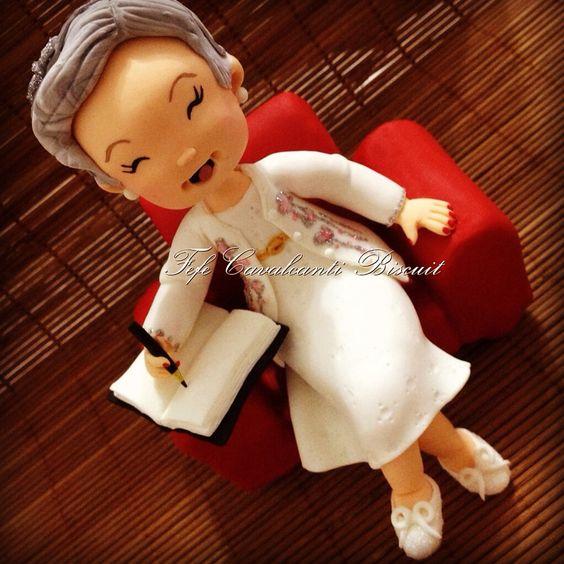 Topos de bolo personalizados Orçamentos por e-mail fefecavalcantibiscuit@gmail.com