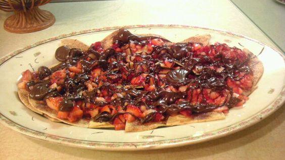 Strawberry/chocolate dessert nachos with cinnamon-sugar ...