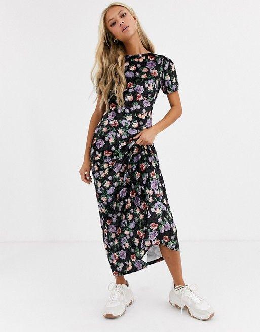 Asos Design Printed Velvet Maxi Tea Dress Asos In 2020 Women Dress Sale Maxi Dress With Sleeves Pleated Mini Dress