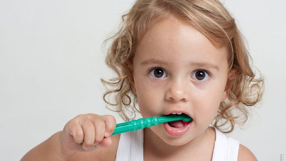 How to take care of your baby's teeth | Curaden Clinic