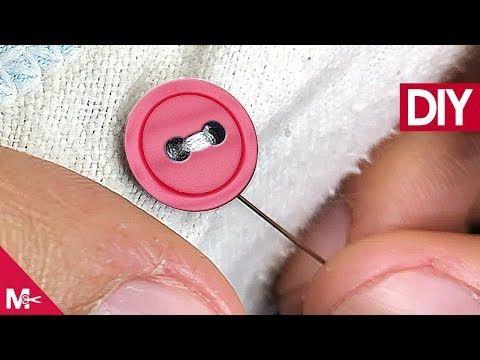 Como Coser Un Boton De 2 Agujeros A Mano Youtube Como Coser Coser Botones Aprender A Coser