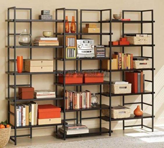 Decoração com caixas na estante
