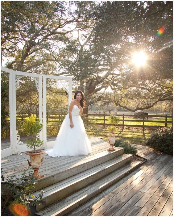 ©Degrees North Images   casual boho bridal session at out under the trees in angleton texas