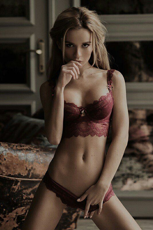"sandivoncuteblog: ""RT If you like Retweet & Follow Sophie #Boudoir VIP  - Click Here For More """