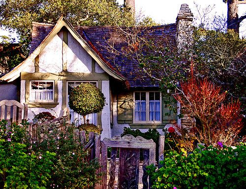 Fairytale cottage... wouldn't you like to see behind the gate!?