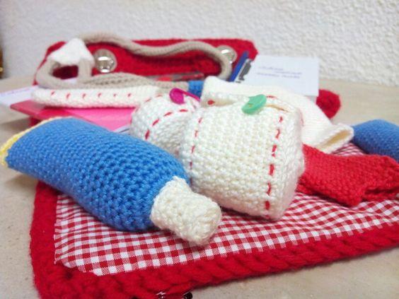 Cartable de docteur,  modèle du livre Mes bricoles au crochet d'Isabelle Kessedjian