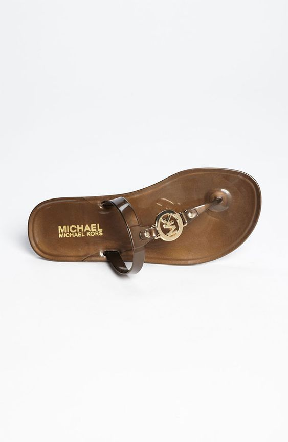 Designer Michael Kors is an icon of American fashion, and his eponymous brand is renowned around the world for its premium accessories and clean, sports-inspired aesthetic. With dedicated ranges for both men and women, the label is the perfect complement to the sophisticated sartorialist living life on the go.