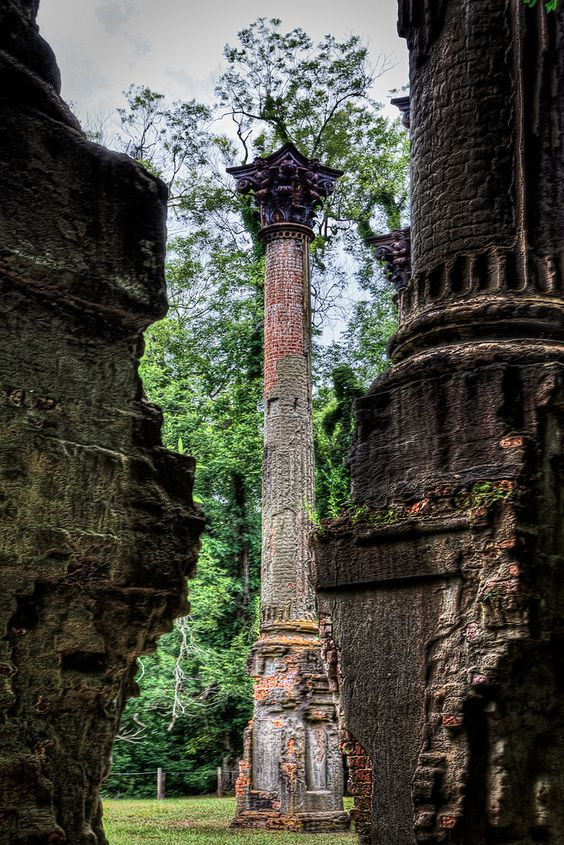 Windsor Ruins in Claiborne County, Mississippi