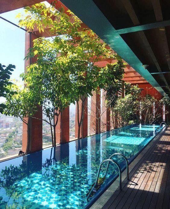 18 Cool Pool Rooms Interiordesignshome Com Indoor Swimming Pool Design Hotel Swimming Pool Luxury Swimming Pools